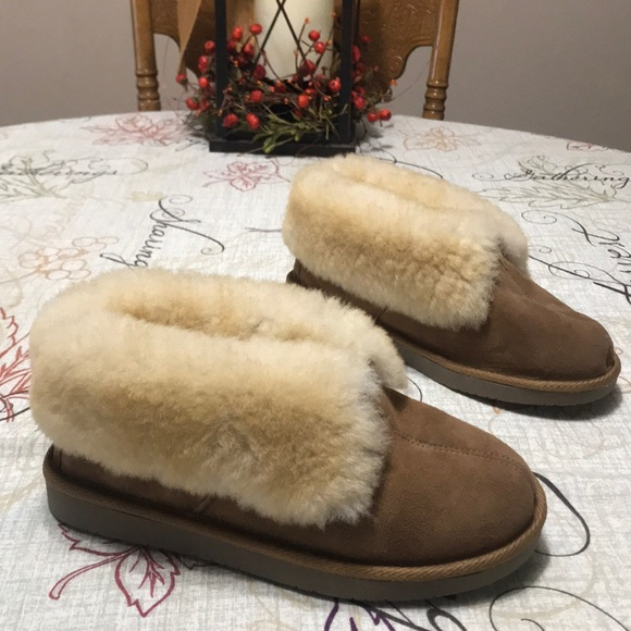 8635222bc Cabela's Shoes | Cabelas Shearling Fur Lined House Slippers Size 7 ...